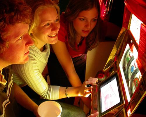 """Iniziativa di Acu Umbria sulla prevenzione al gioco d'azzardo – PROGETTO """"ADRENALINA BUONA: EMOZIONI IN GIOCO. ATTIVITÀ PER UNA EDUCAZIONE ALLE EMOZIONI"""""""